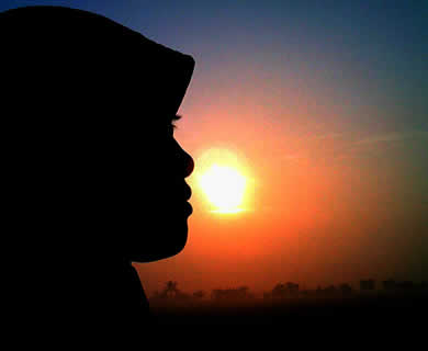 103+ Gambar Wanita Berhijab Pemandangan Indah HD Terbaru